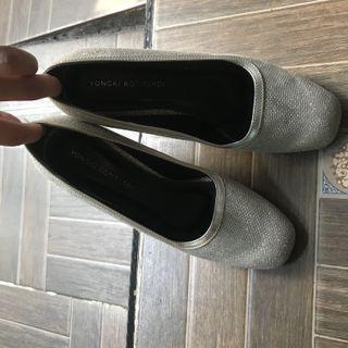 High heels pesta yongki komaladi