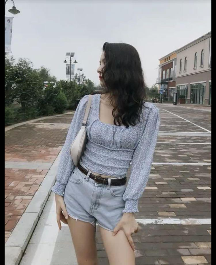 Light blue French style top M