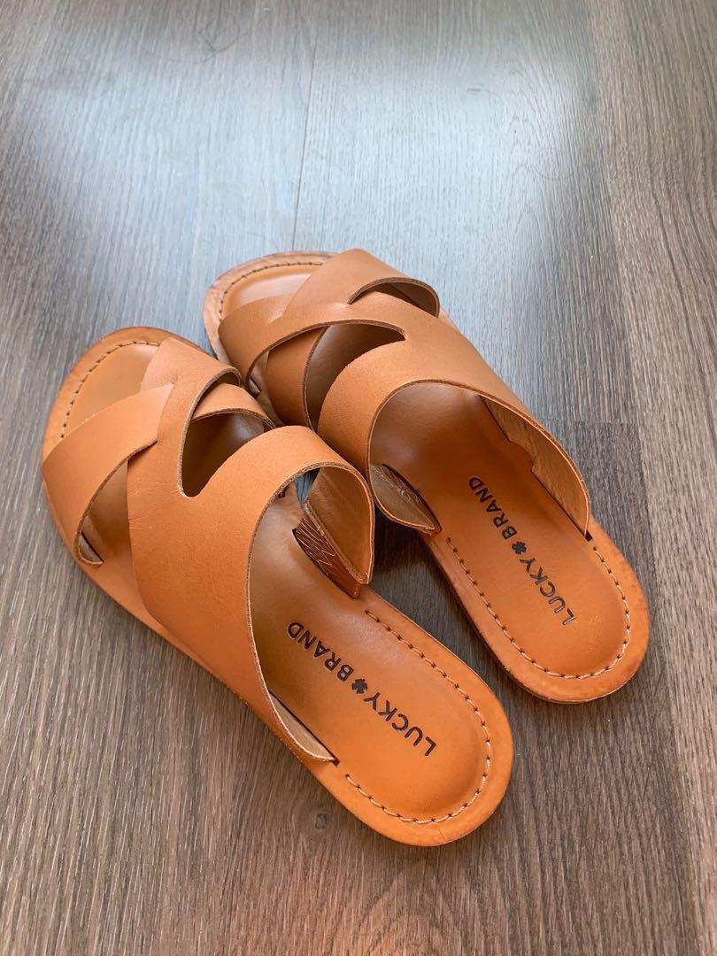 New lucky brand sandals in tan