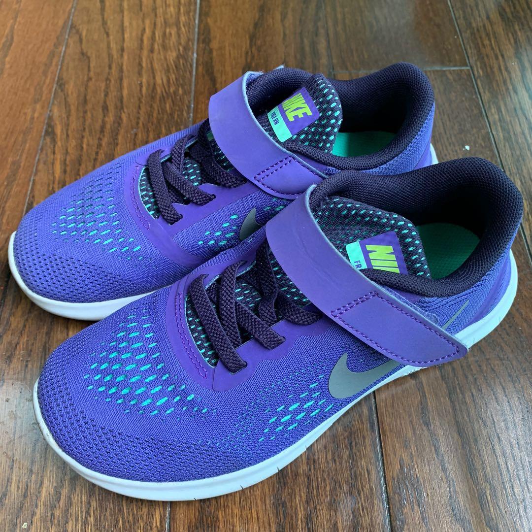 Nike Girl's shoe