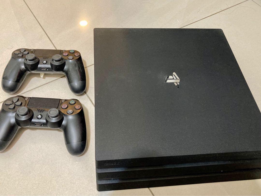 PS4 pro 1TB 加兩個搖桿