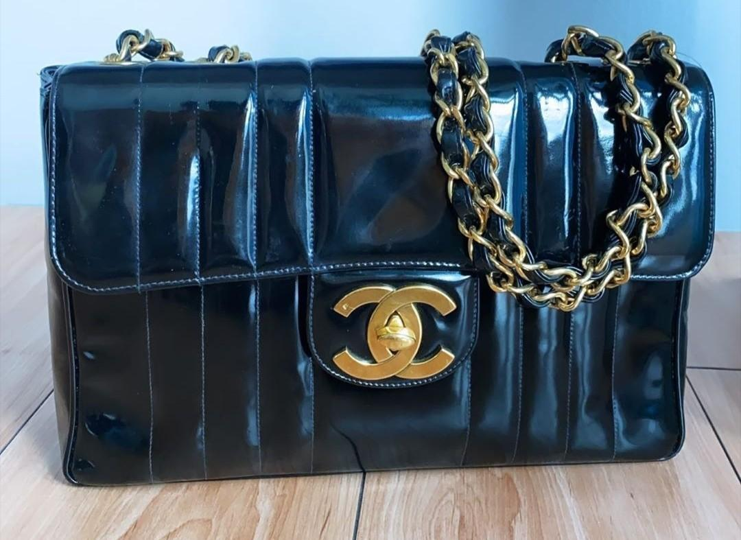 ❗SALE!!! AUTH.CHANEL VINTAGE JUMBO VERTICAL PATENT IN GHW