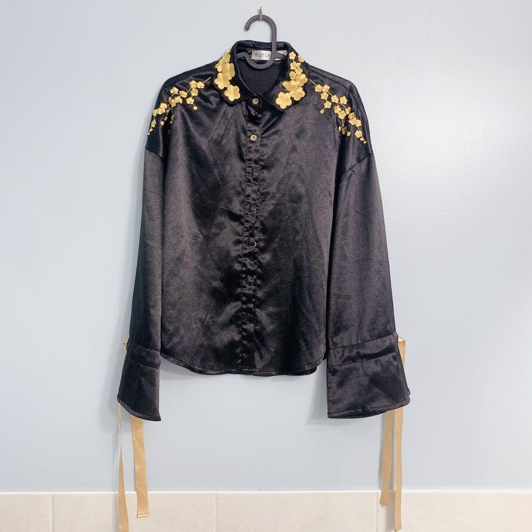 Silk cloth blouse