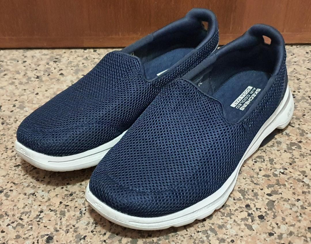 Skechers Casual Shoe (US 6 / EUR  36)