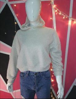 Sweater crop reprice