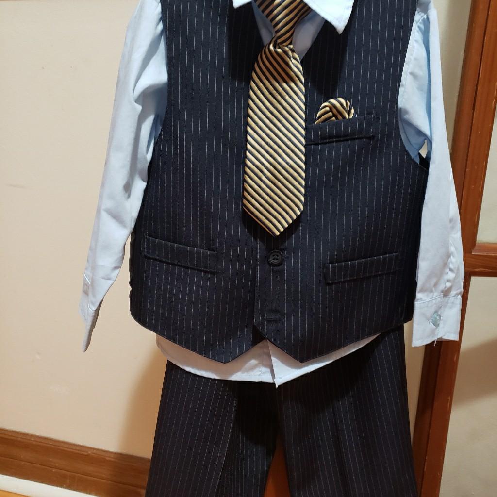 4 piece NAUTICA suit