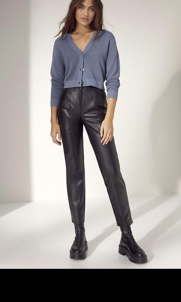 Aritzia Wilfred free Rebel leather pants BLACK size 4