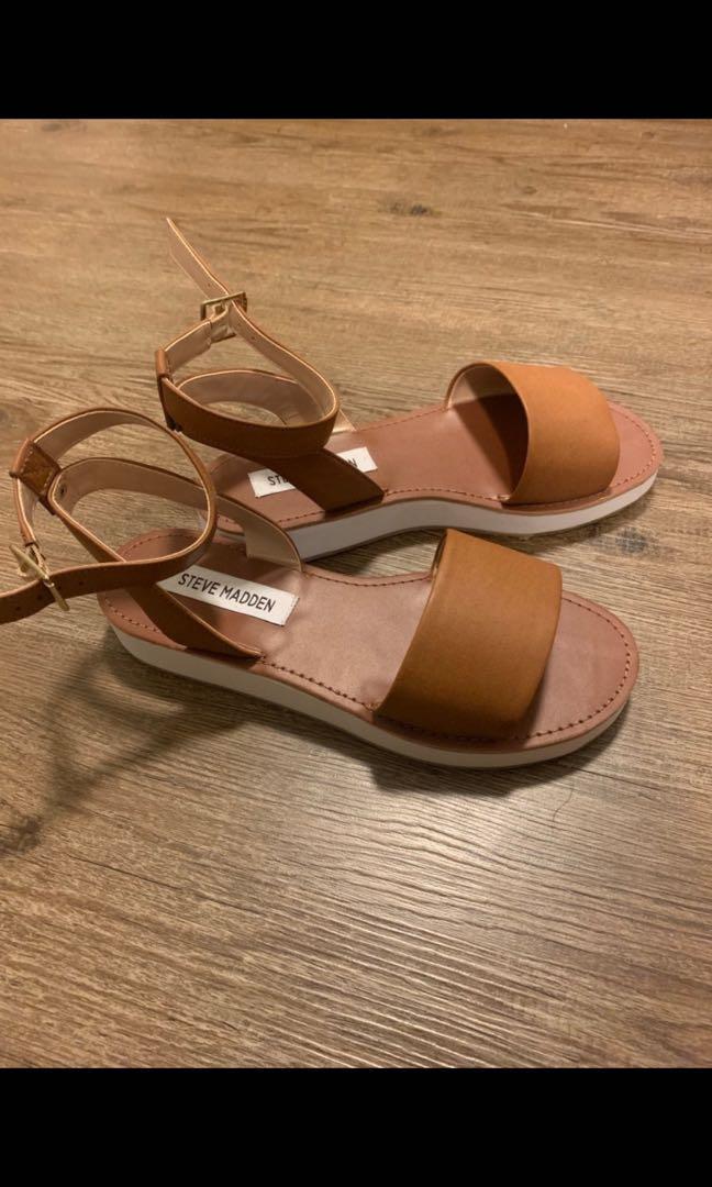 Brand new Steve Madden brown sandals
