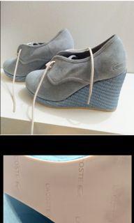 Lactoste light blue wedge shoe