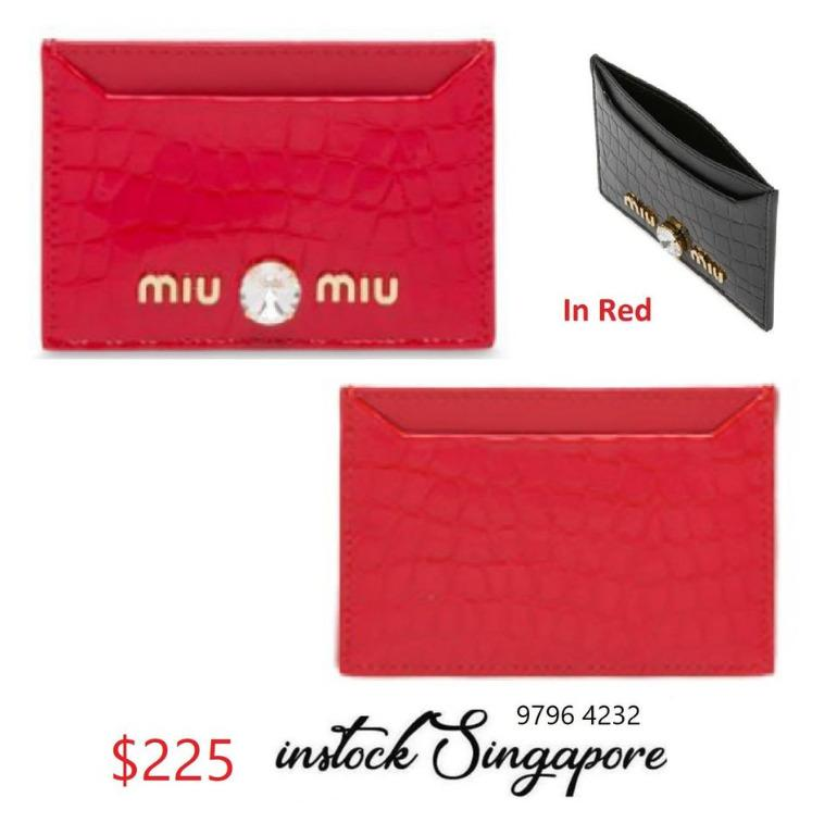READY STOCK - 100% AUTHENTIC - NEW MIU MIU Red Matelassé Leather Card Holder in F068Z Red 5MC208