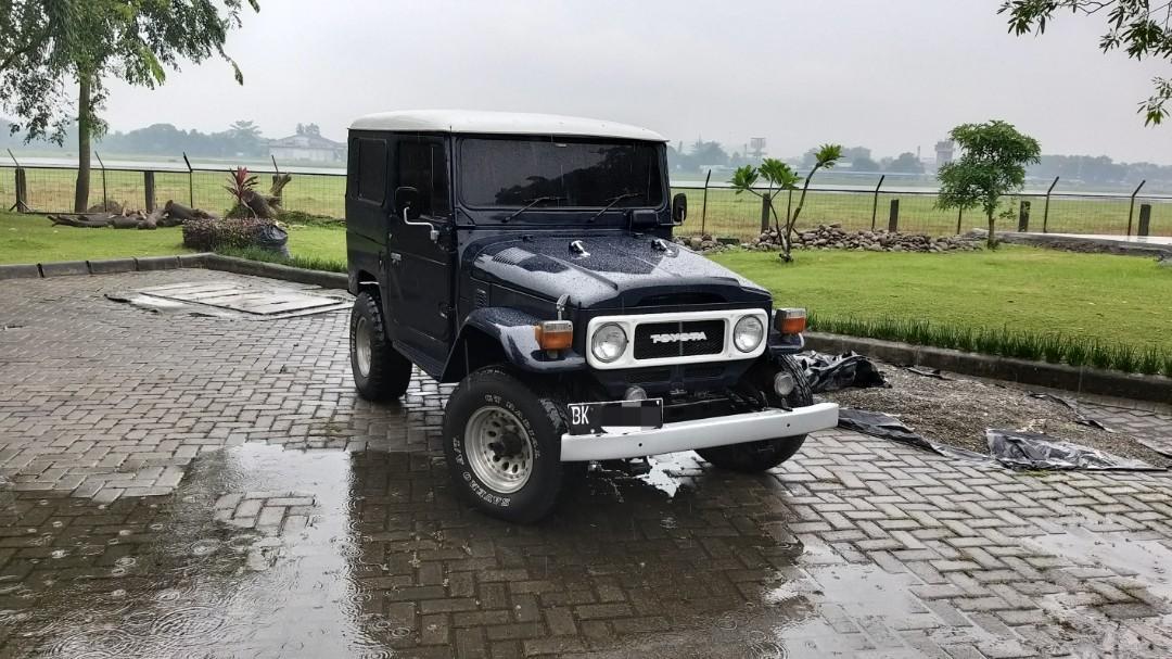 Toyota LandCruiser Hardtop BJ40  1983 Asli Diesel Biru Putih  4x4  Jeep
