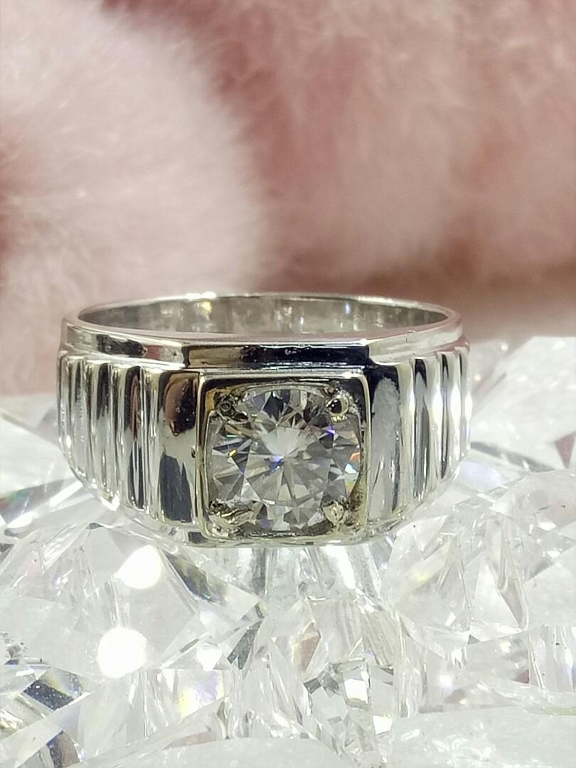 1.2克拉莫桑摩星鑽石K金戒指