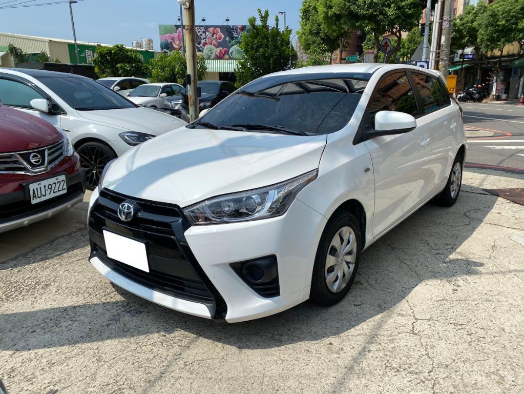2017年Toyota豐田Yaris陽春白5