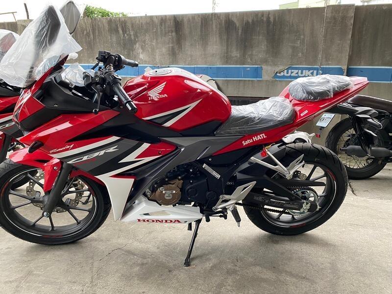 【榮立重車販售】20年式 HONDA CBR150R 紅白色系 輕鬆入手