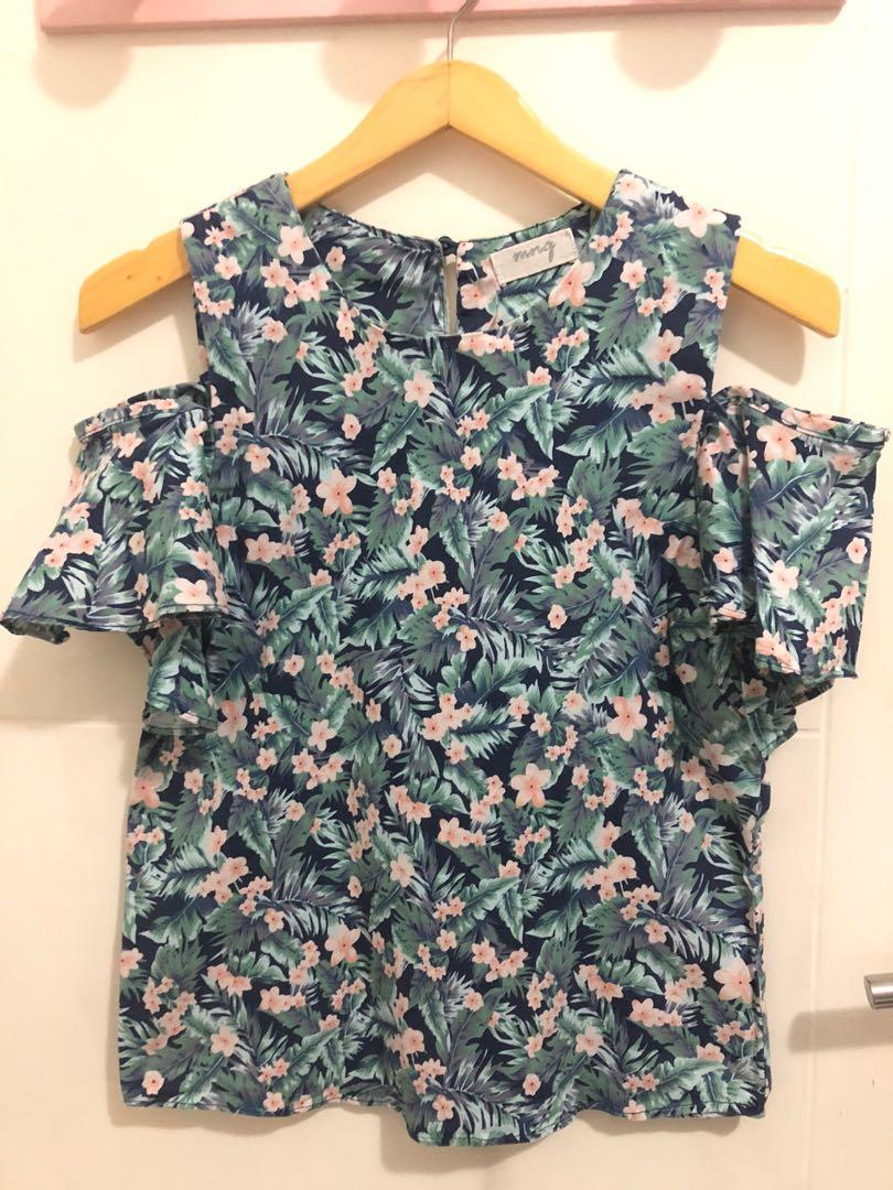 2 way use floral top
