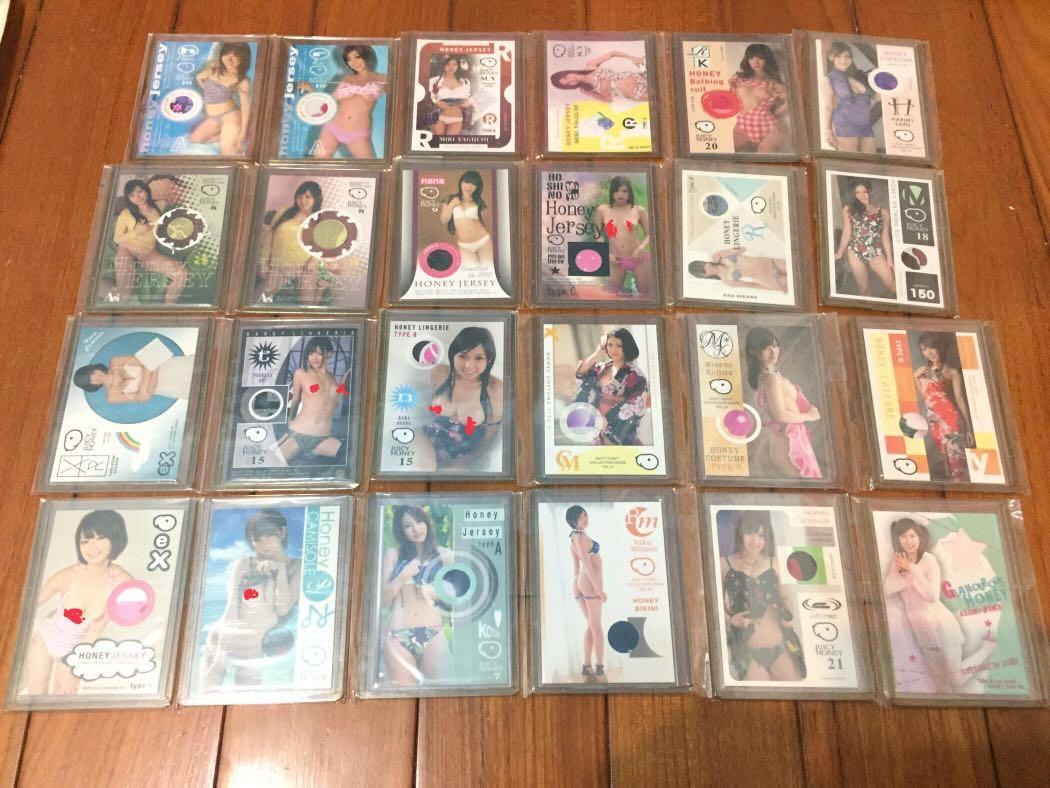 退坑賣___女優衣物、簽名、相片、唇印卡 (約250張)