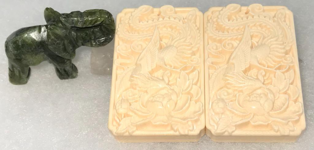 「白色黃金」~辟邪、招財、鎮宅~天然猛瑪鳳穿牡丹花雕刻吊墜 (附棉繩) (隨機出貨)