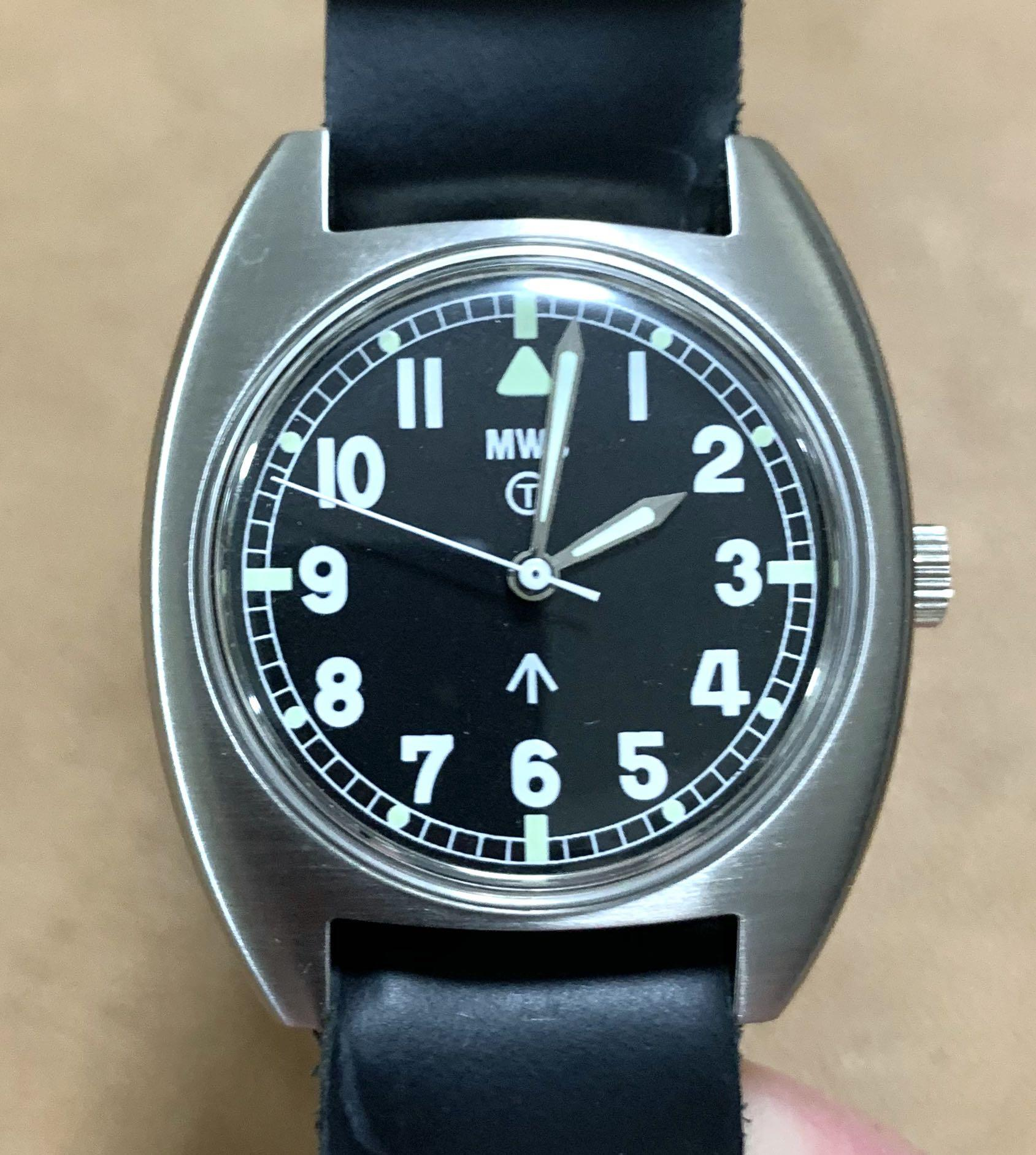 [AVAILABLE] Authentic BNIB NOS Unbelievably Pristine 1984 British UK RAF Royal Military-issued Milspec Watch 40mm (42mm lug-to-lug) with original Army issued tin box😍, 1 brand new brand new NATO strap, handwind movement