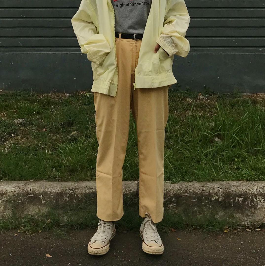 ankle pants celana kuning ga norak, kalem bikin pede di keramaian