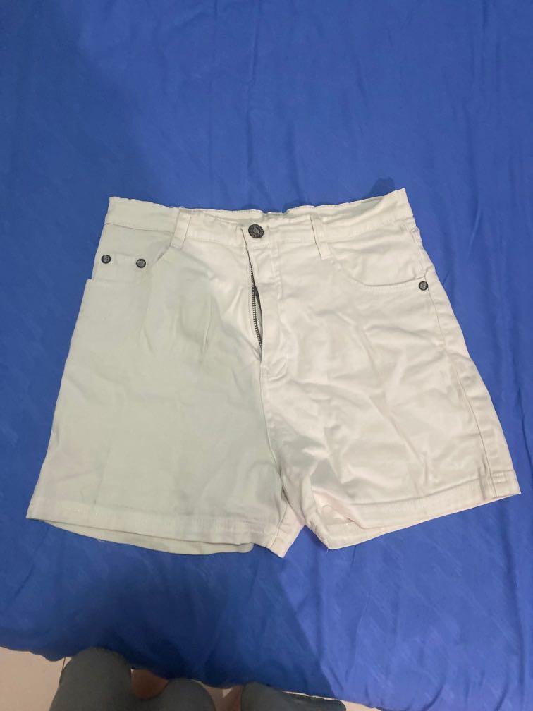 celana pendek putih fit to S