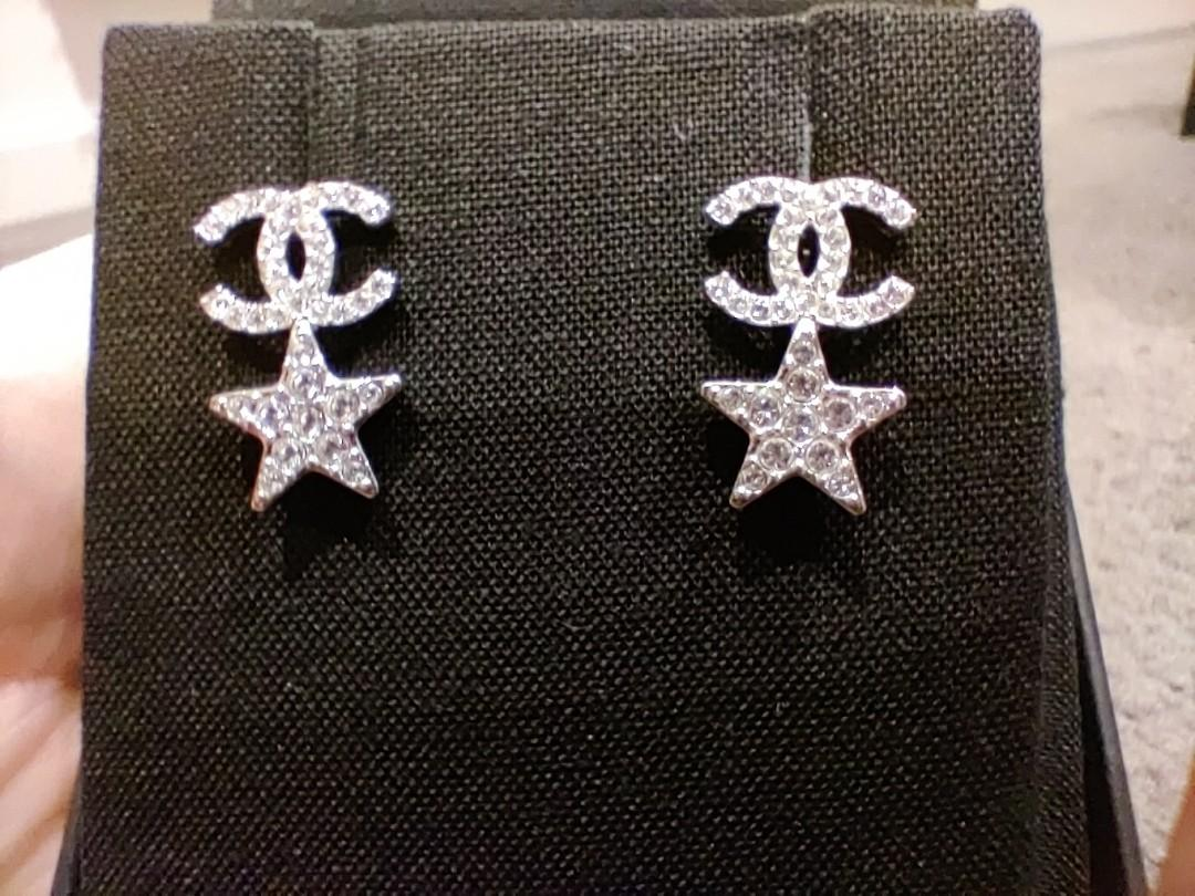 Chanel 20P 'CC' logo and stars earrings with diamantes.