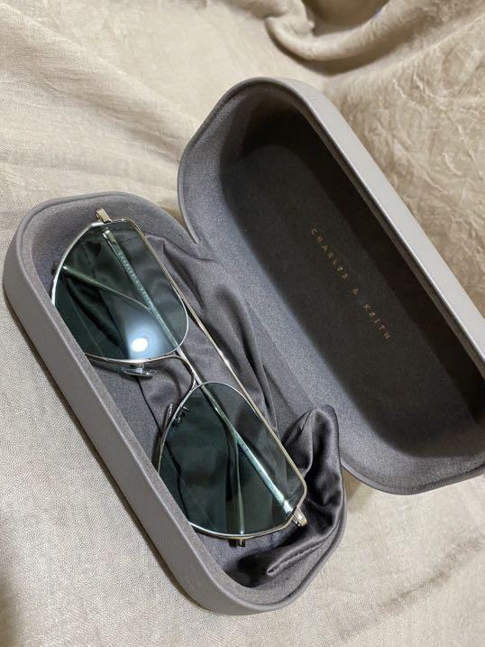 Charles & Keith Sun glasses / Kacamata hitam (Original)