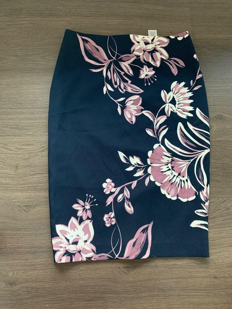 CLEO Floral pencil skirt navy blue