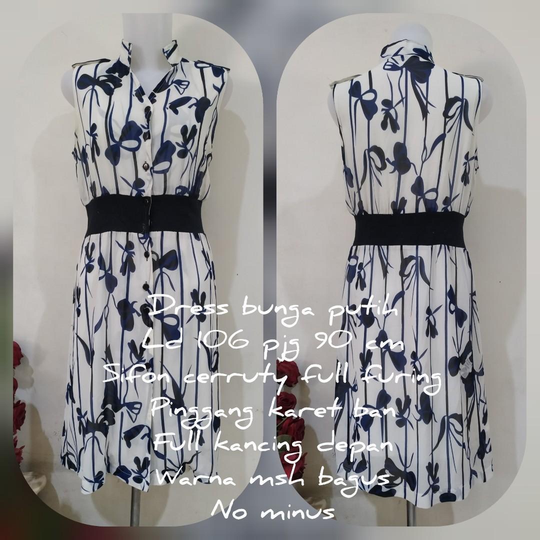 Dress bunga putih