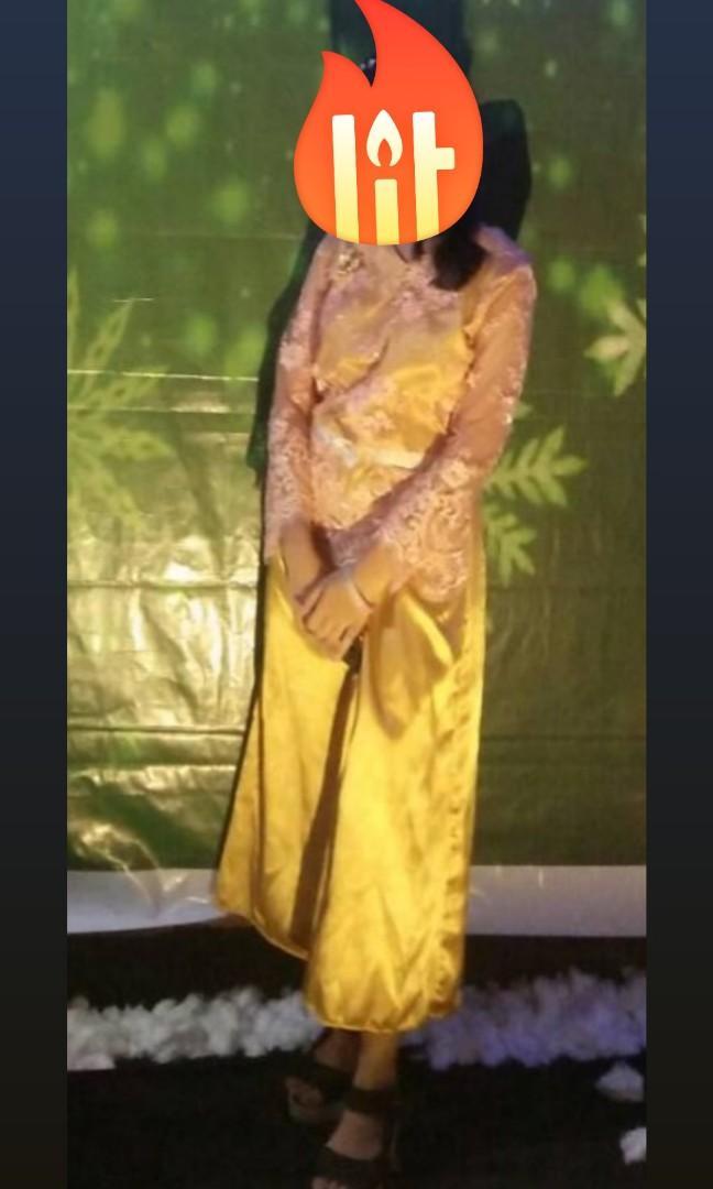 Dress warna  gold