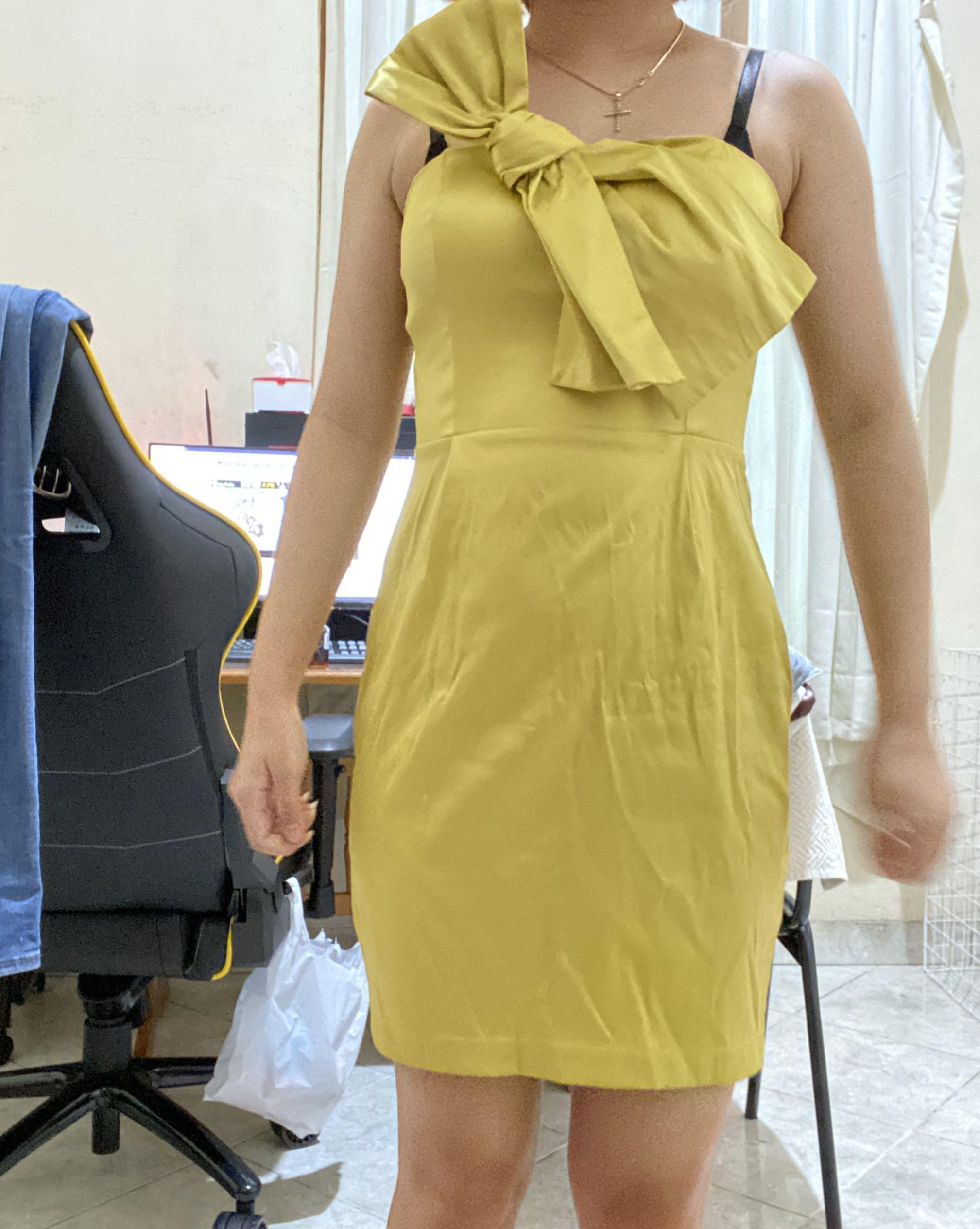 Dress Yellow satin