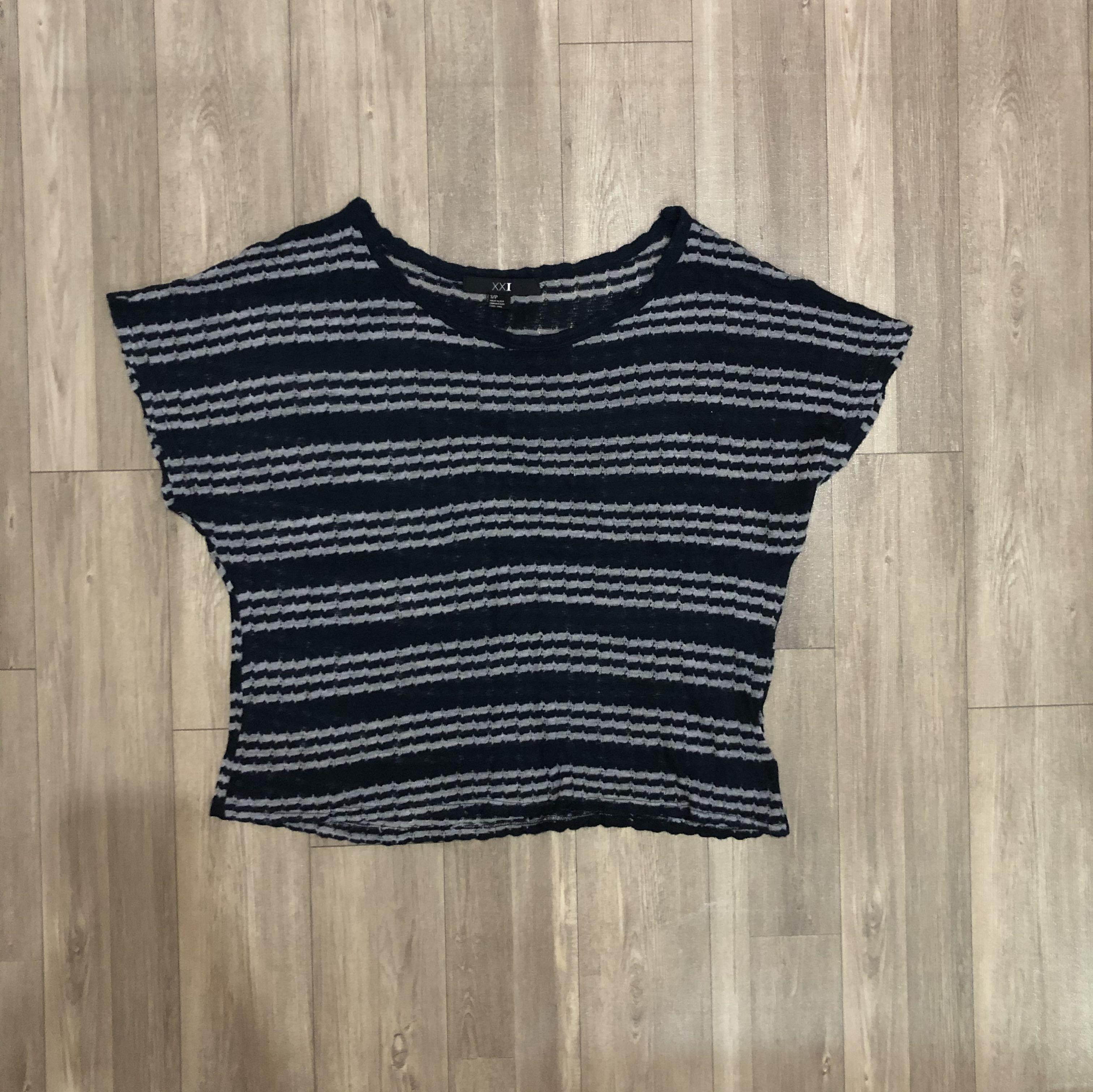 Forever 21 knit stripe blue top