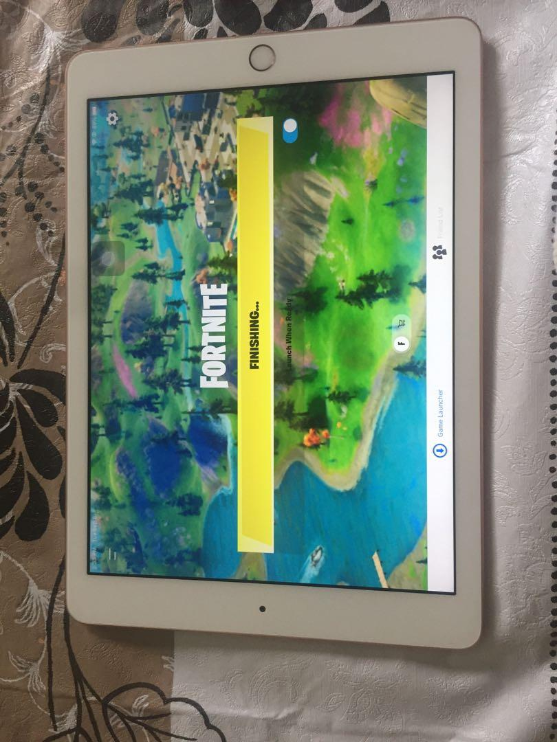 iPad 6th generation 128gb silver with fortnite installed