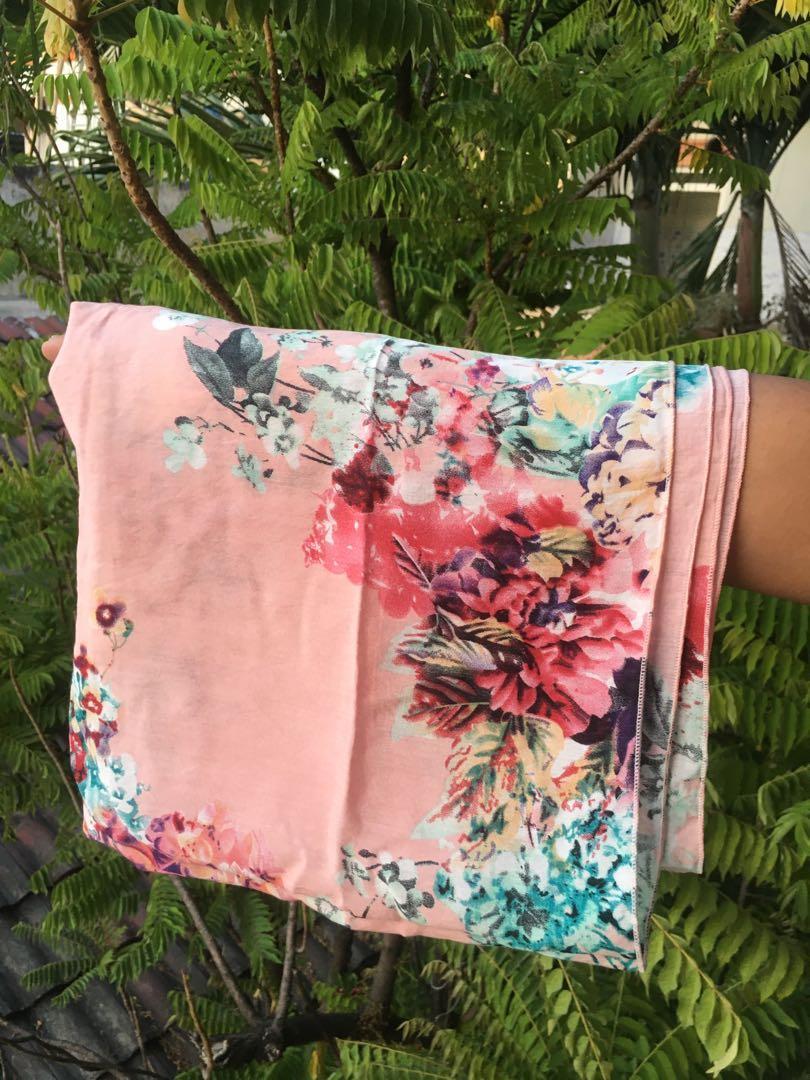 jilbab pink motif bunga