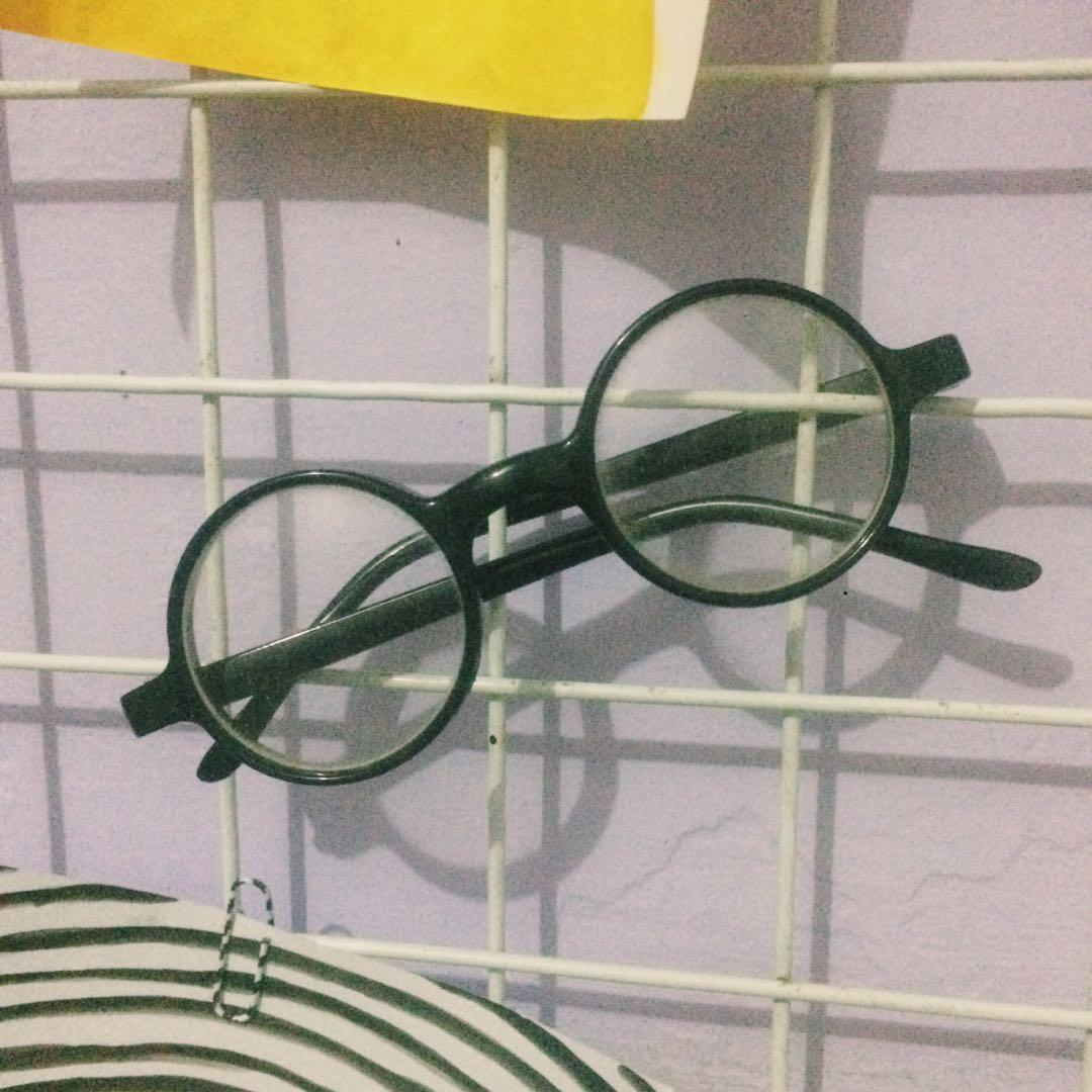Kacamata Round Vintage