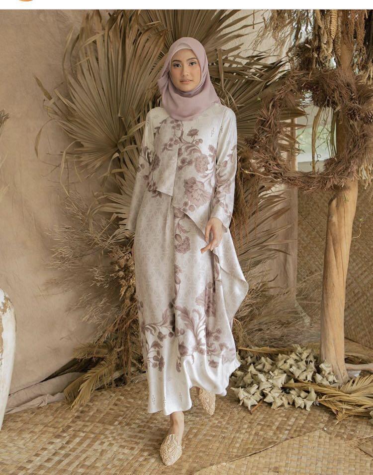 Maumere dress Wearing Klamby