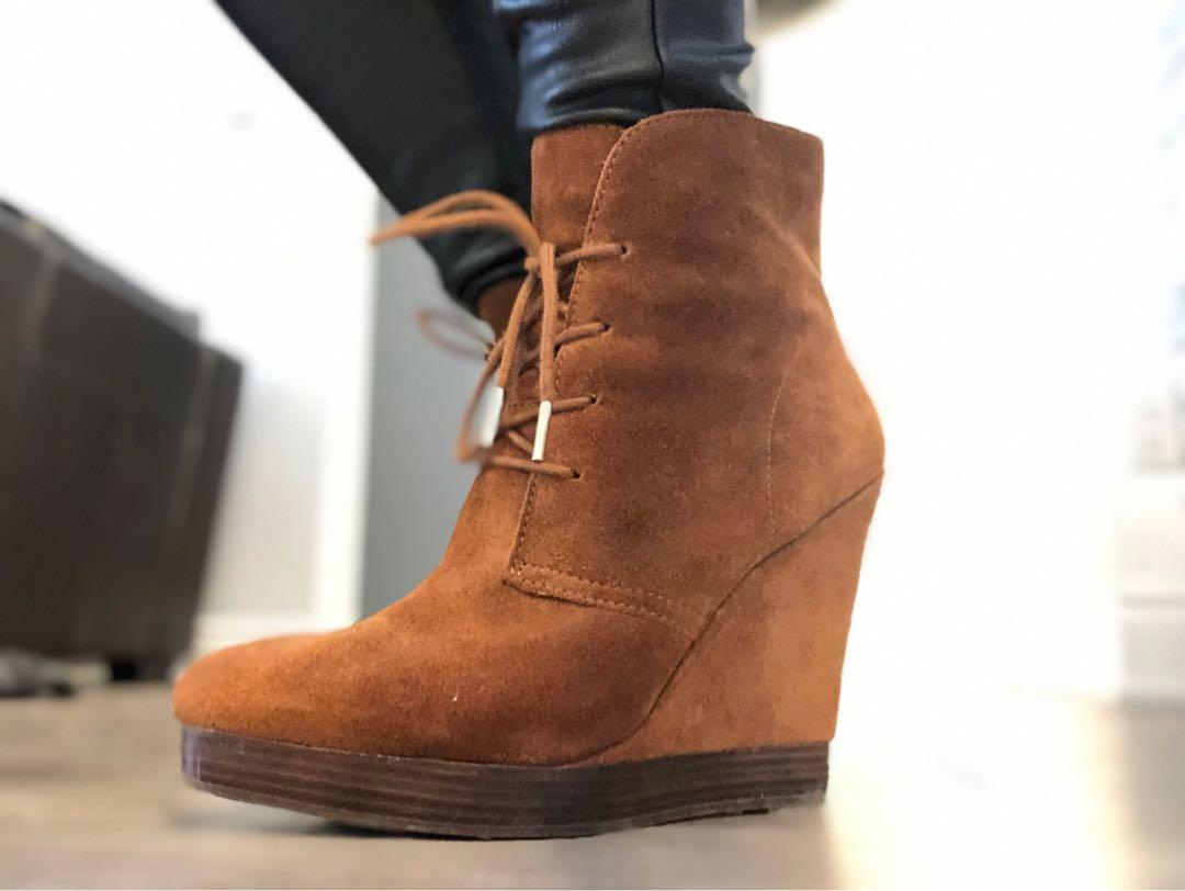 MICHAEL KORS BOOTIES SIZE 9