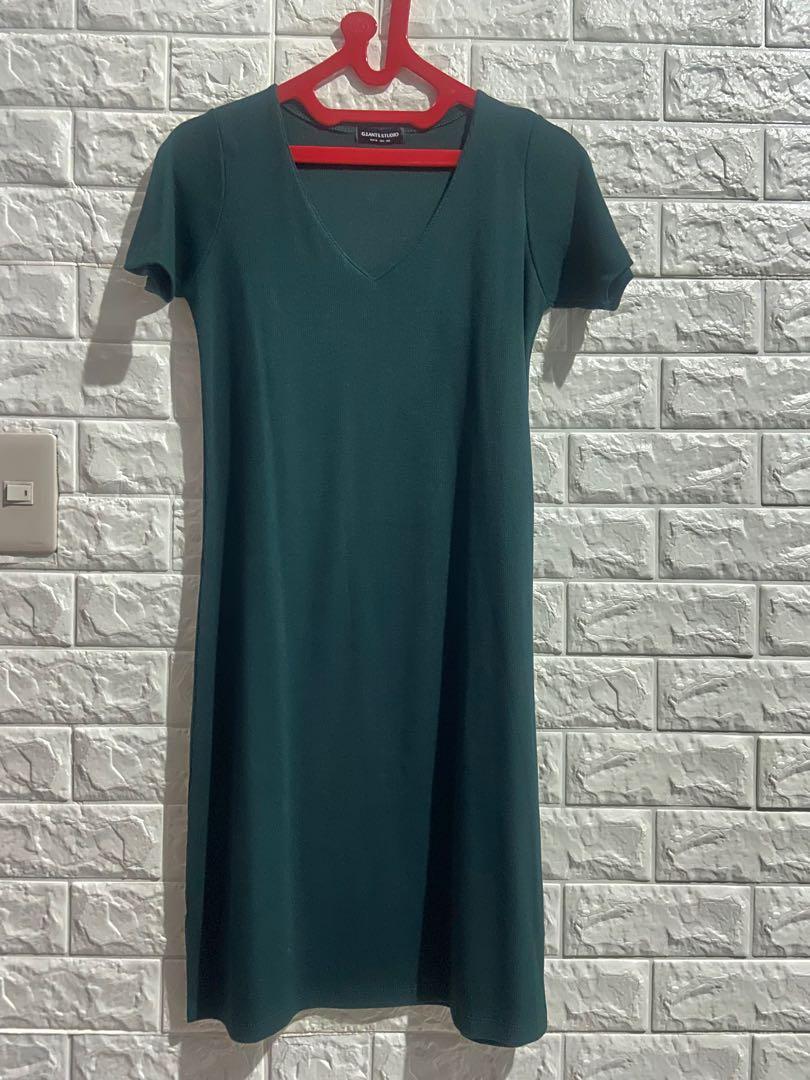 Mini dress kerah V