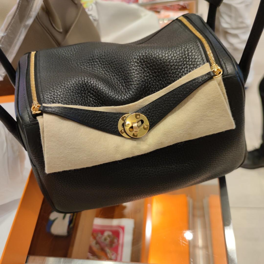 New Hermes Black Clemence Lindy 26 GHW stamp D