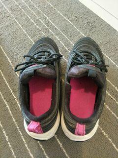 保留品Nike