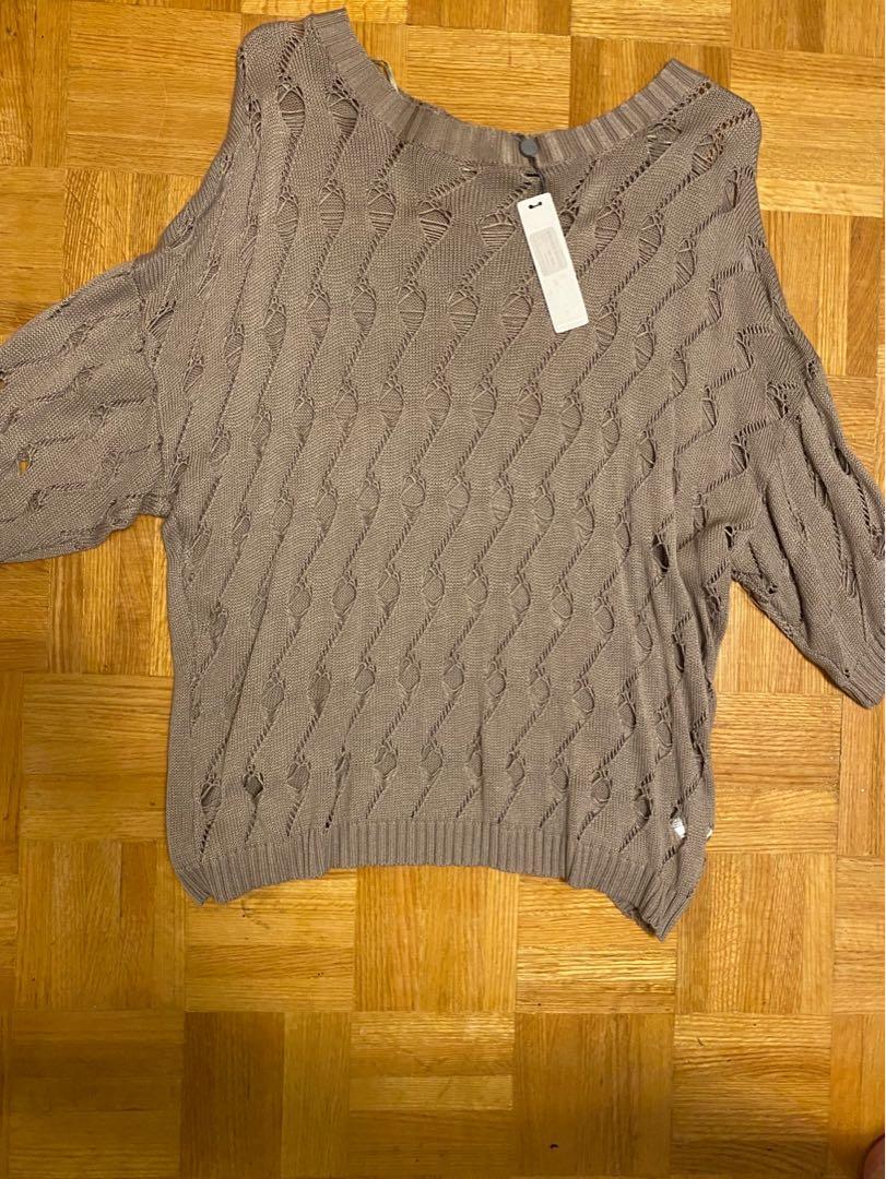 NWT 3/4 sleeve sweater