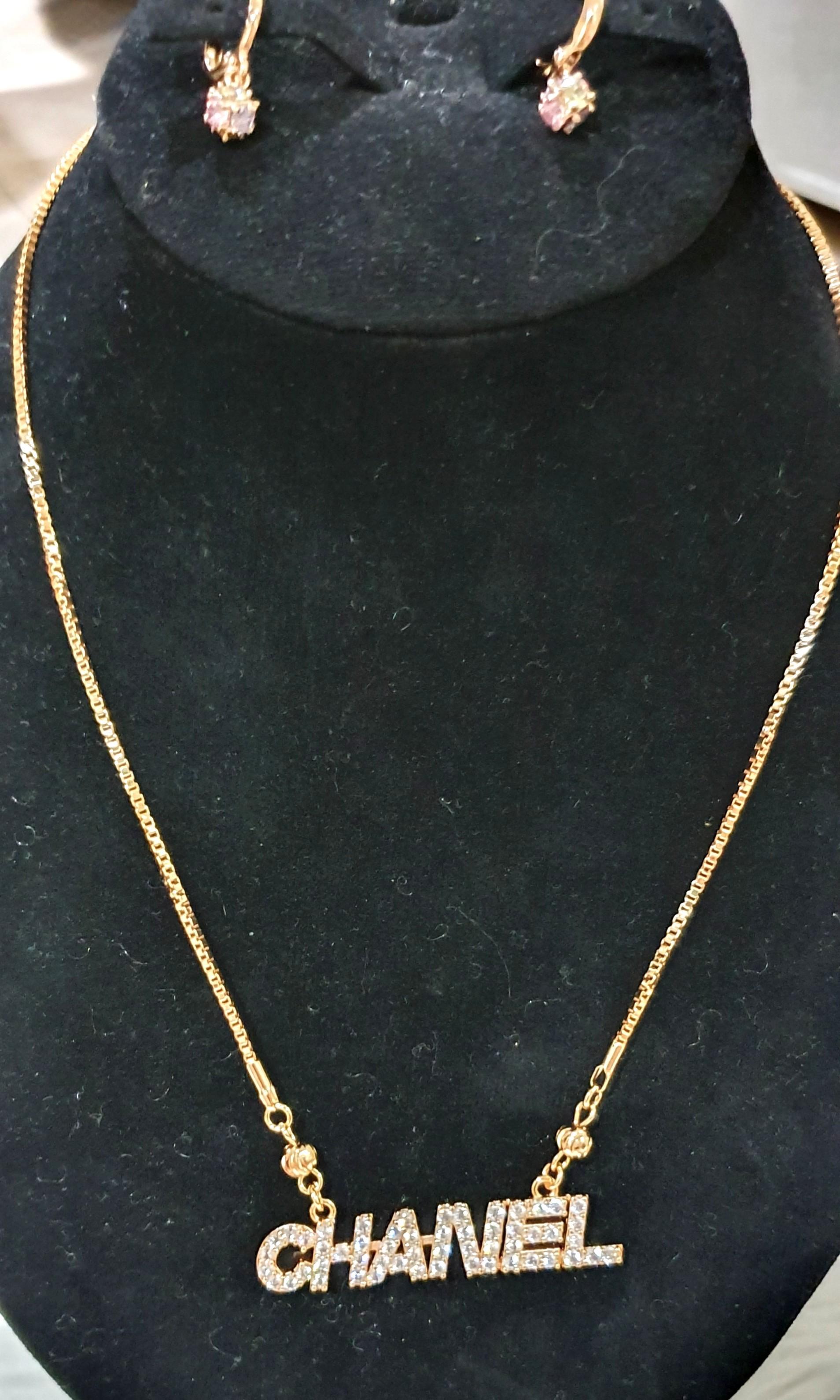 Perhiasan gold