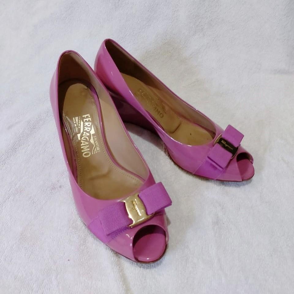 2 Salvatore Ferragamo Shoes MURAH