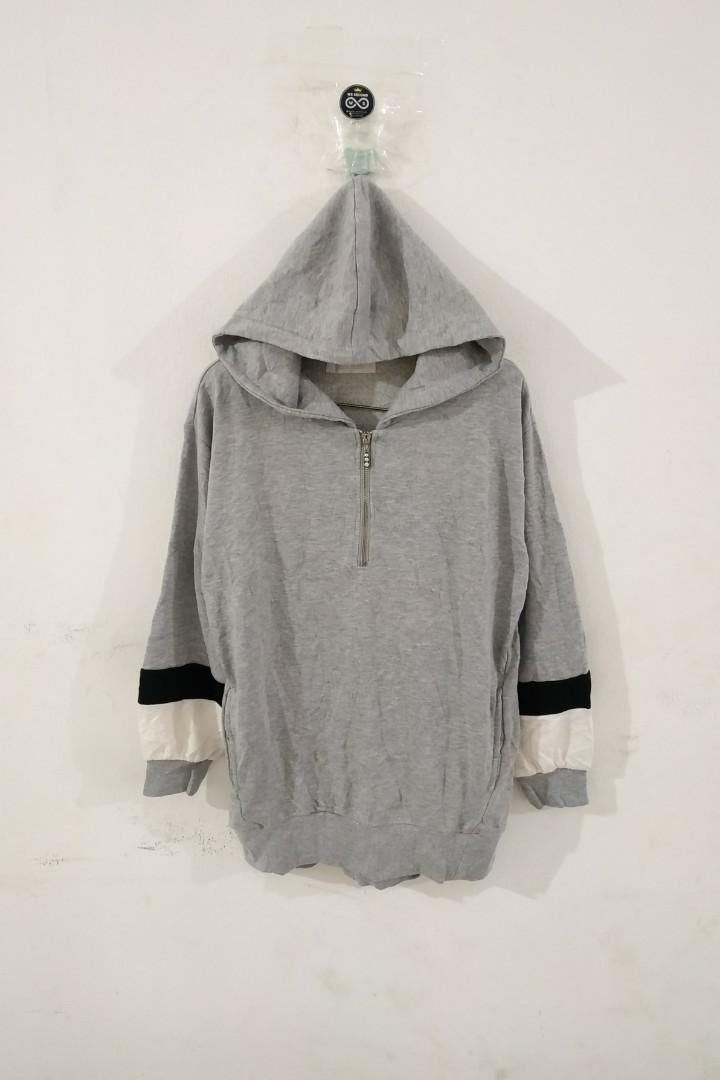 Sweater hoodie cecil mcbee second preloved thrift