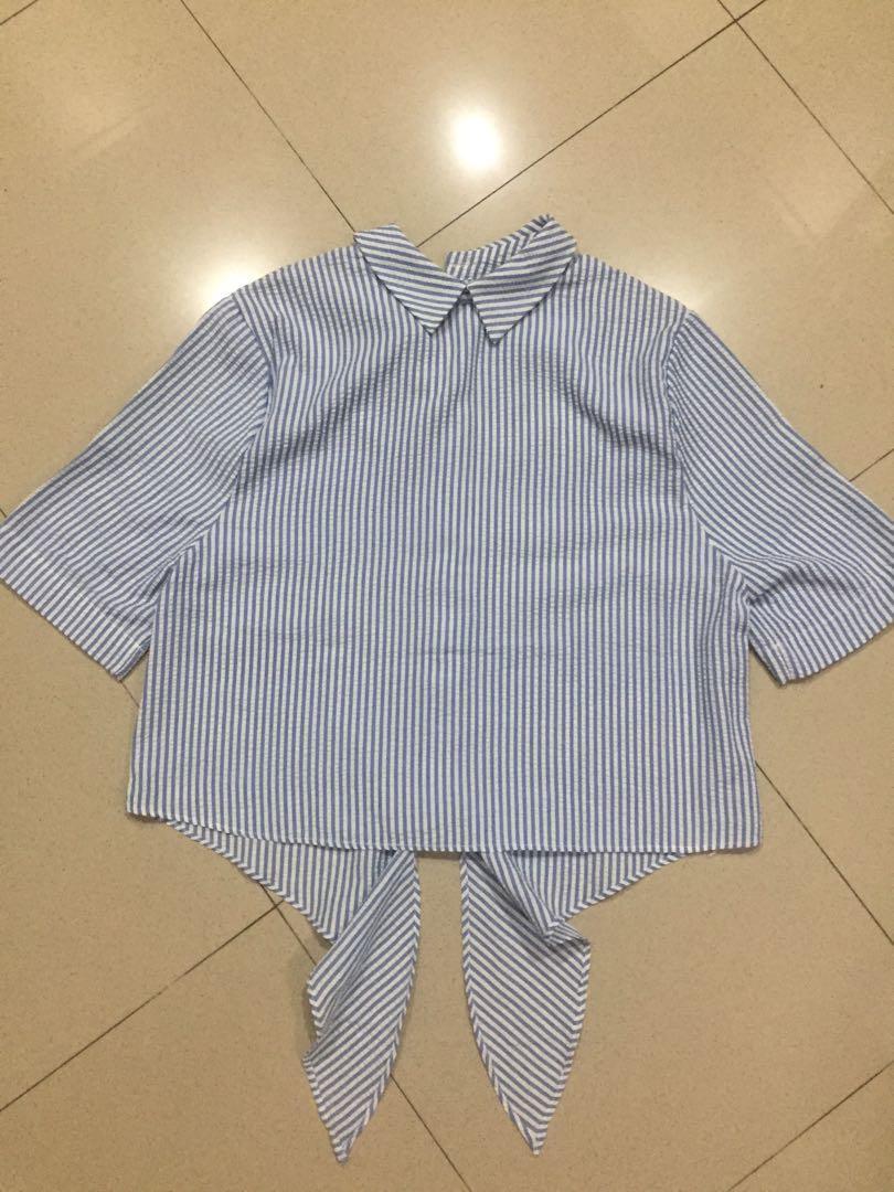 this is april stripe top kemeja (bisa dipake dua model)
