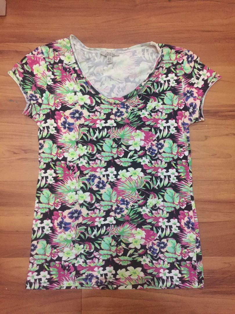 Zara v-neck floral