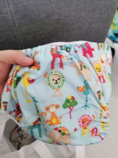 Cloth diapers (pre-loved