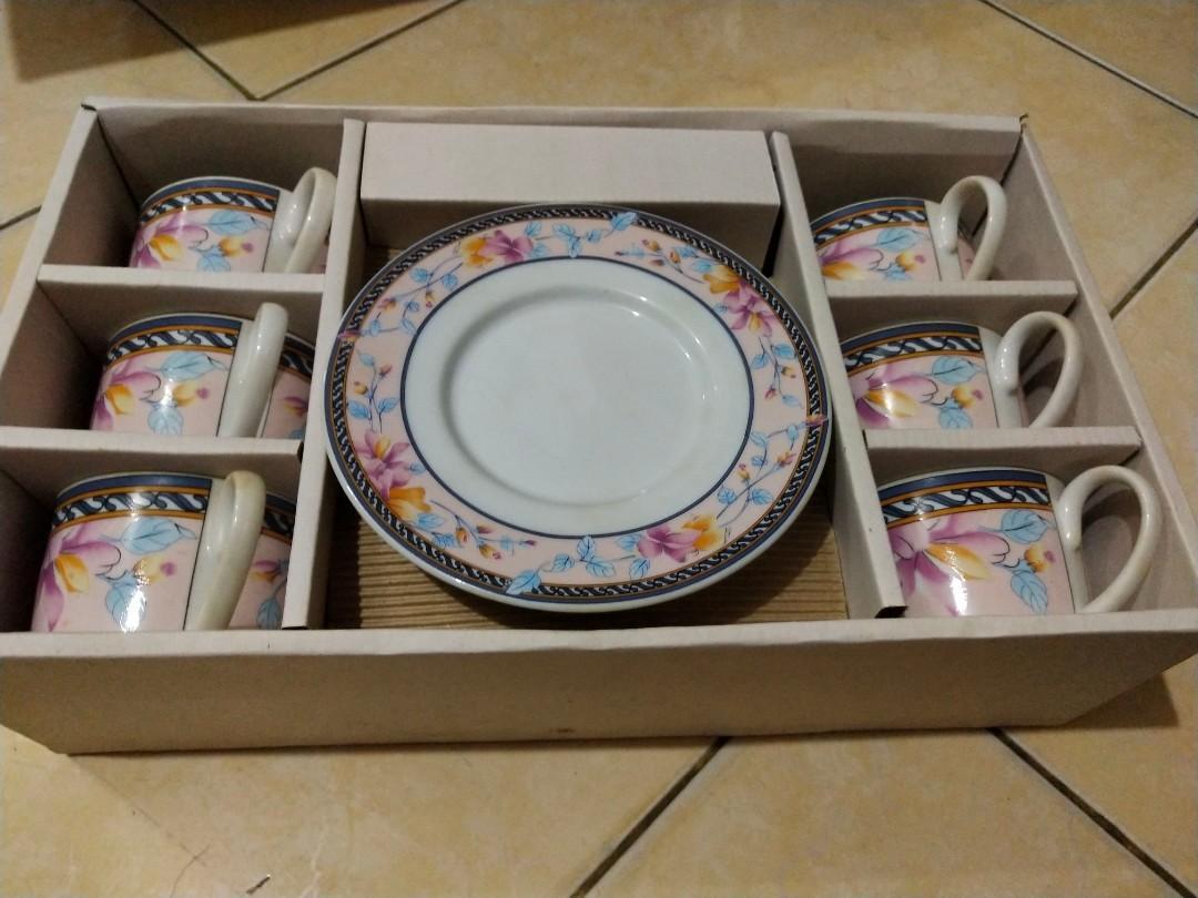 Flowery Tea set