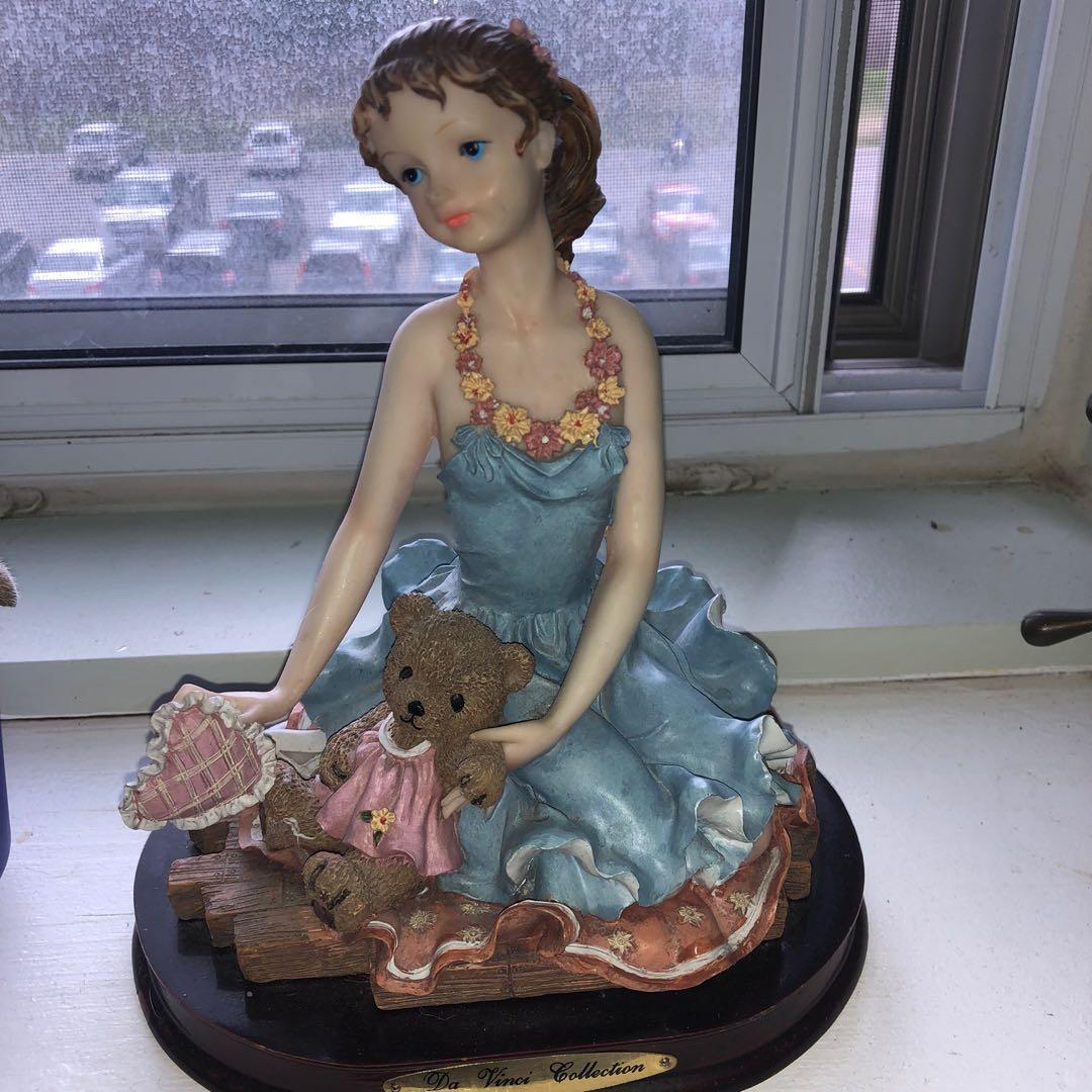 Glass figurine