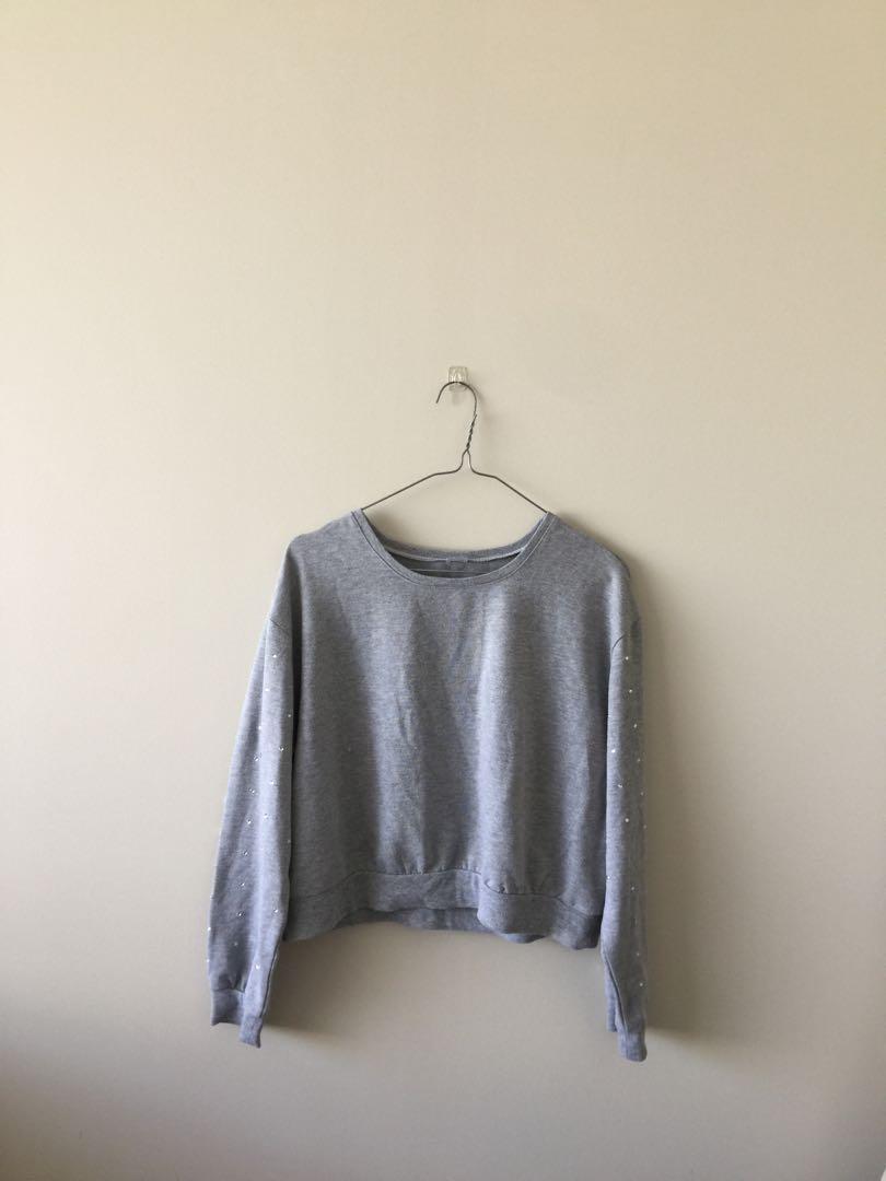 Oversized grey cropped sweater