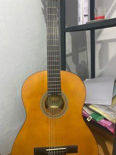 Valencia accoustic guitar like new , baru dipake 2x